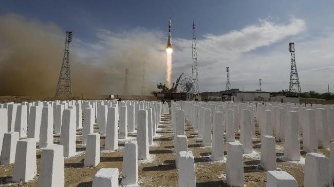 Kondisi cuaca yang mendukung dan minimnya kendala teknis menjadikan faktor positif bagi peluncurkan ke-138 roket Soyuz.(dok. REUTERS/Shamil Zhumatov)