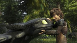 Toothless 'Salting' saat PDKT di 'How to Train Your Dragon 3'