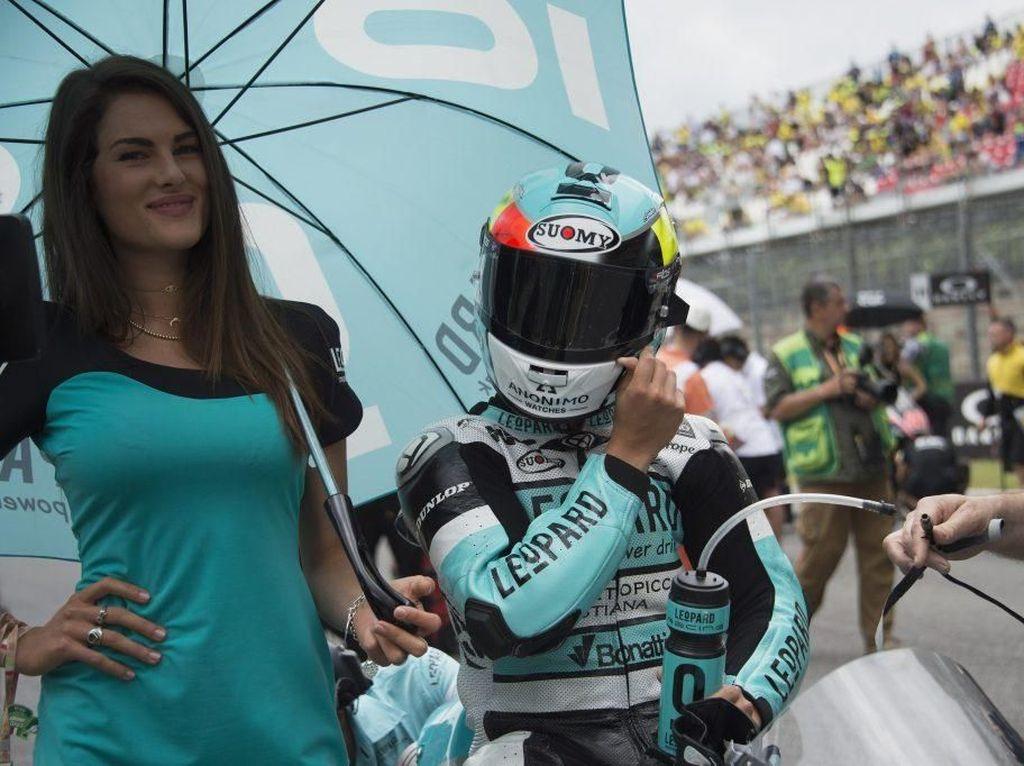 Sofia Novello pernah menjadi grid girl di Leopard sampai sekitar akhir 2017, yang kebetulan bertepatan di tengah rumor kedekatan dengan Rossi. (Foto: dok. leopardnatural)