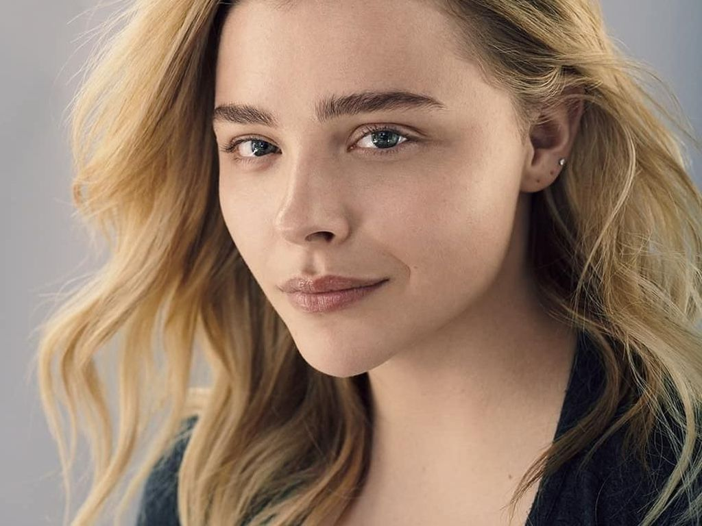 6 Kecantikan Selebriti yang Berani Pemotretan Tanpa Makeup dan Edit