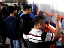 Siang Ini, Naik KRL Sudah Bisa Pakai Tiket Kartu