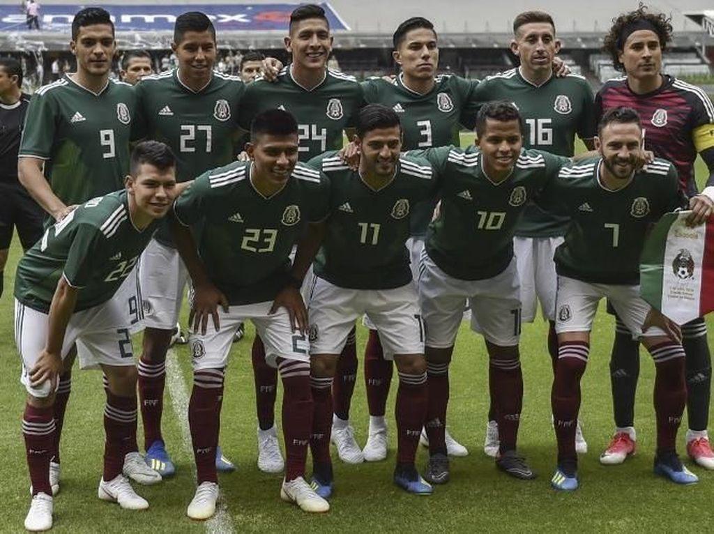 Meksiko yang baru saja ditunjuk sebagai salah satu tuan rumah bersama Amerika Serikat dan Kanada di Piala Dunia 2026. Tim ini ada di urutan ke-8 paling banyak dibicarakan netizen. Foto: Yuri Cortez/AFP