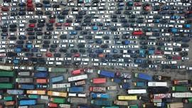 FOTO: Arus Mudik Mengular di Pelabuhan Merak