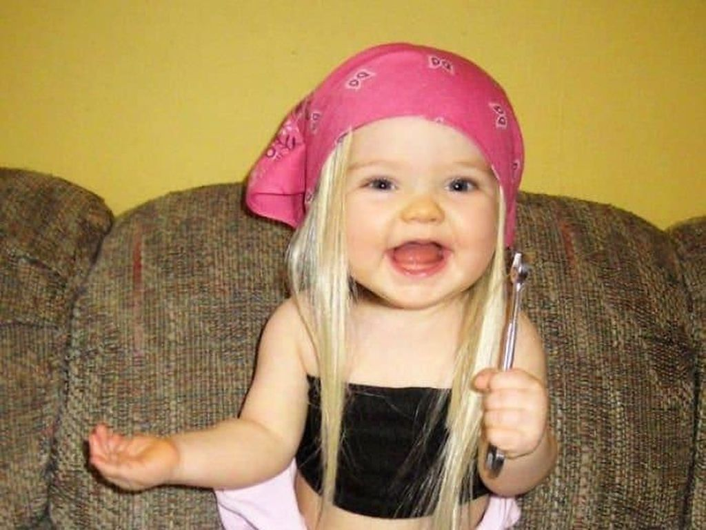 Super Gemas! Potret 8 Bayi yang Sangat Mirip dengan Bonekanya
