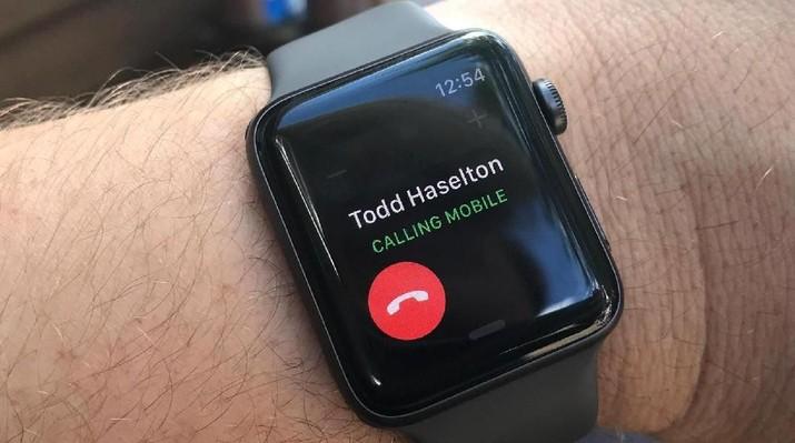 Apple watch masuk dalam barang yang dikenakan bea masuk 10% oleh pemerintah AS yang sedang diuji ke publik.