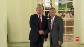 VIDEO: Sehari Jelang KTT AS-Korut, Trump Temui PM Singapura
