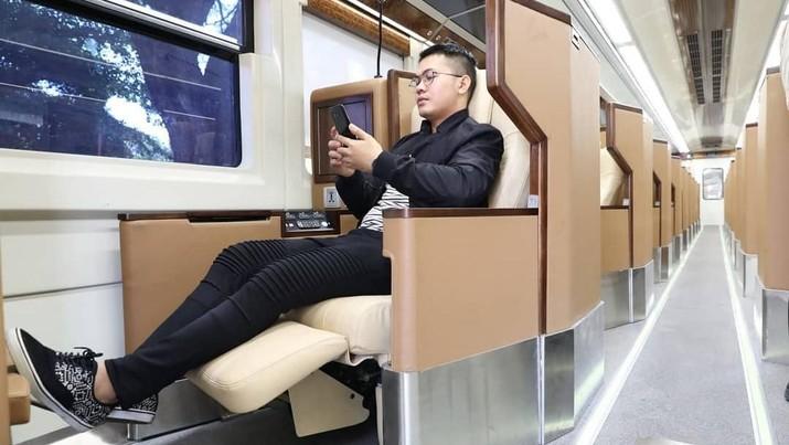 PT Kereta Api Indonesia (KAI) bakal menambah KA first class yang akan memanjakan penumpang.