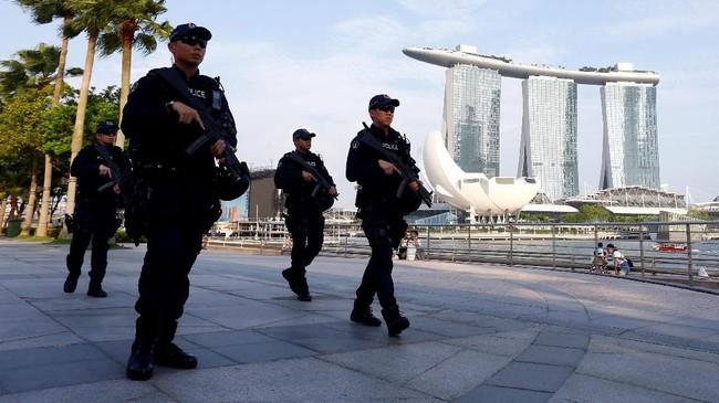 Trump dan Kim akan bertemu untuk pertama kalinya pada Selasa di Pulau Sentosa, Singapura, untuk membahas potensi denuklirisasi kawasan. (REUTERS/Feline Lim)