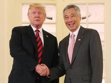 Trump Dapat Kejutan Ulang Tahun dari PM Lee