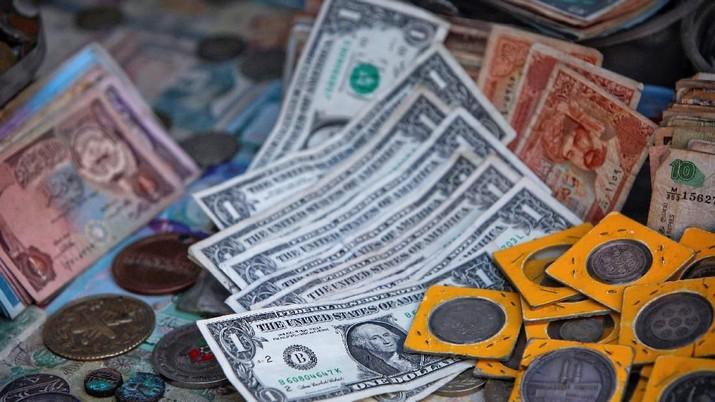 Kenaikan CDS, memang mencerminkan adanya kekhawatiran pasar terkait fundamental ekonomi sebuah negara atau kondisi fiskalnya.