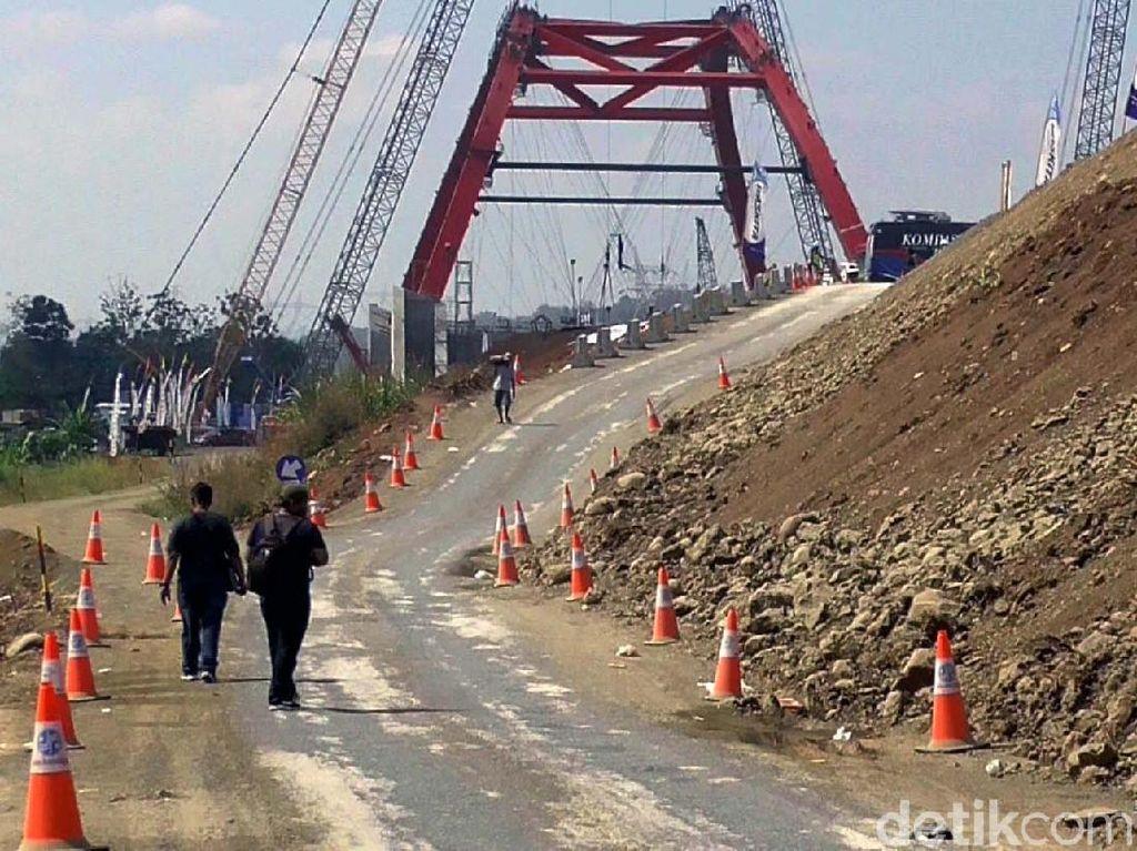 Jembatan ini akan dibuka satu jalur saja pada arus mudik dan balik. Dengan beroperasinya jembatan Kali Kuto, untuk pintu keluar Gringsing yang semula dibuka dua pintu, akan dibuka satu pintu.