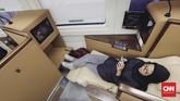 PT Kereta Api Indonesia (KAI) mulai mengoperasikan kereta dengan fasilitas tempat tidur (sleeper class) mulai hari ini, Selasa (12/6). (CNNIndonesia/Adhi Wicaksono)