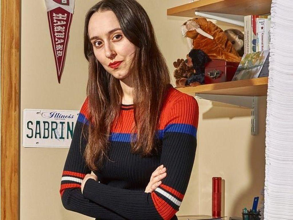 Ini Sabrina, Milenial Jenius yang Belum Pernah Pacaran dan Tak Main Medsos