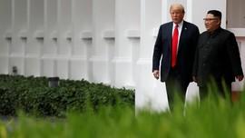 'Kado Aneh' Donald Trump buat Kim Jong Un di Singapura