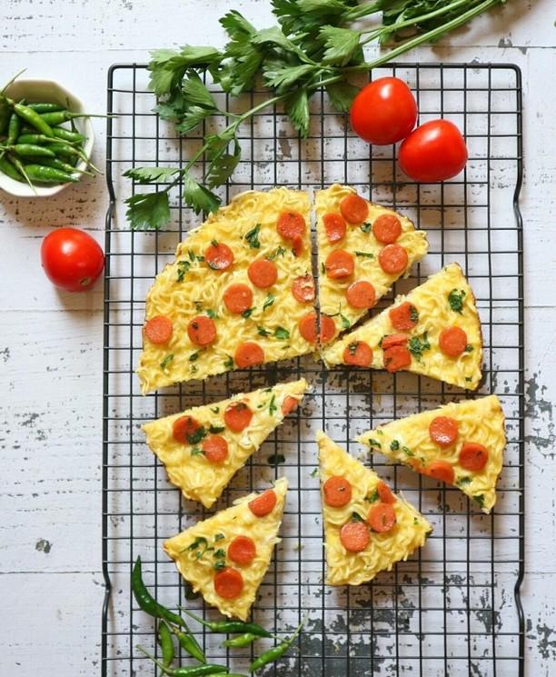 Gurih Enak! 10 Kreasi Omelet Mie untuk Sahur Ini