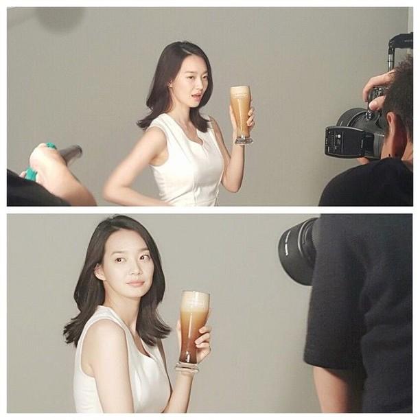 Cantiknya Shin Min-a Bergaya dengan Cake hingga Kopi