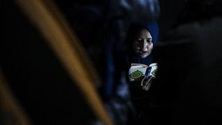 FOTO: Mengejar Berkah Lailatulkadar dari Dalam Tenda