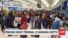 Penumpang Memenuhi Terminal 1C Bandara Soetta