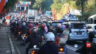 VIDEO: Jalur Nagreg Dipadati Kendaraan Roda Dua