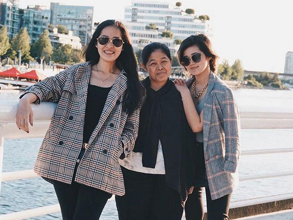 Menghabiskan waktu bersama menjadi momen berharga bagi ketiganya. Foto: Instagram Gisela Cindy