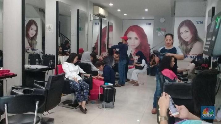 Smoothing dan Potong Bob, Gaya Rambut Andalan di Lebaran 2018