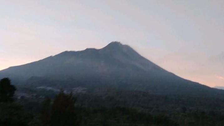 H-2 Lebaran, Gunung Agung Erupsi