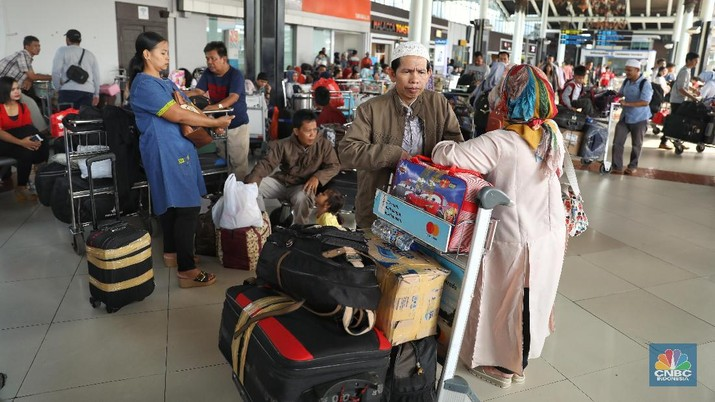 H-2 Lebaran, Bandara Soetta Dipenuhi Pemudik