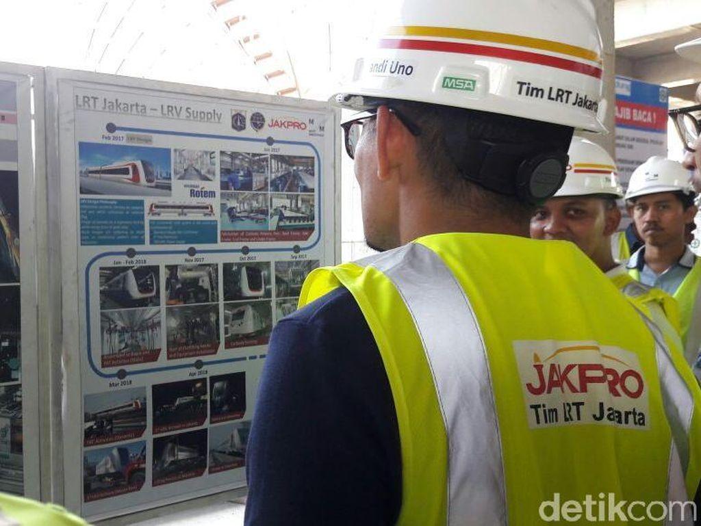 Dari laporan yang diterimanya, pembangunan proyek kereta cepat tersebut sudah sesuai jadwal.