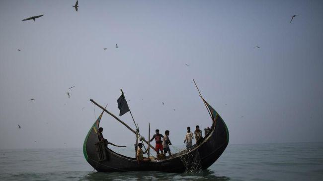 Myanmar Tahan 100 Orang Rohingya di Yangon