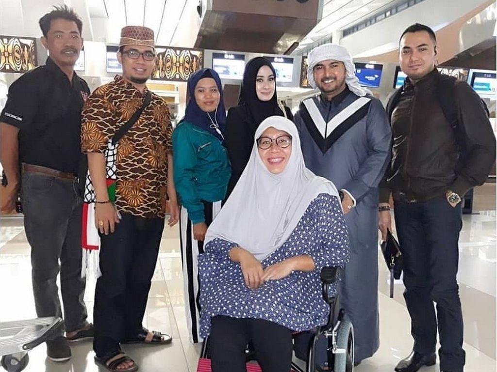 Istri pertama Ustad Al Habsyi, Putri Aisyah Aminah mengungkapkan salah satu alasan dirinya mengajukan gugatan cerai karena sang ustad poligami secara diam-diam. (dok. Instagram Athiyyatul_Haniyyah_real)