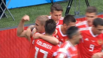 VIDEO: Yuri Gazinsky Cetak Gol Pertama di Piala Dunia 2018