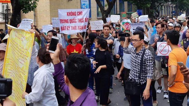 Protes Anti-China di Vietnam, 100 Orang Ditahan