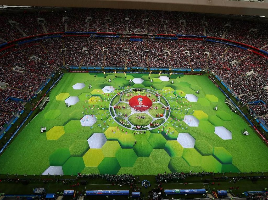 Pesta sepakbola terakbar akhirnya resmi digelar. Piala Dunia 2018 dimulai di Stadion Luzhniki, Moskow, Kamis (14/6/2018) malam WIB. (Foto: Carl Recine/Reuters)