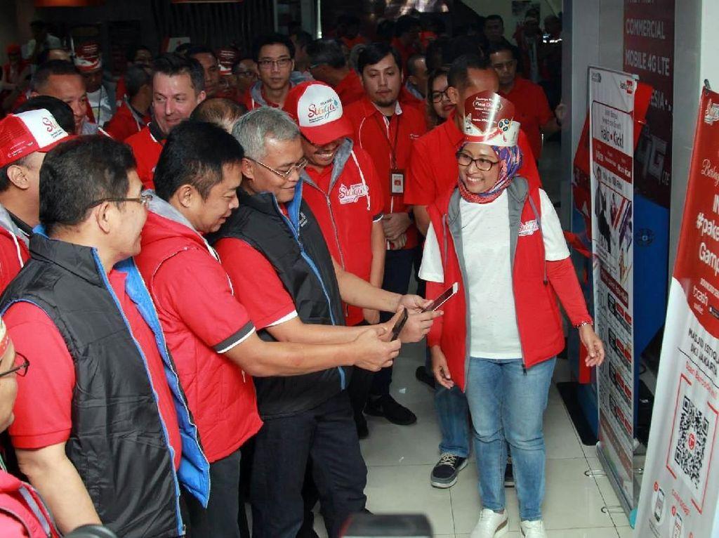 GraPARI Alia Jakarta Pusat merupakan salah satu pusat layanan pelanggan Telkomsel yang beroperasi 24 jam dan tetap akan melayani pelanggan pada saat Hari Raya Idul Fitri 1439 H. Foto: dok. Telkomsel