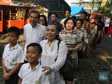 Lebaran Hari Pertama, Warga Antusias Hadiri Open House Jokowi