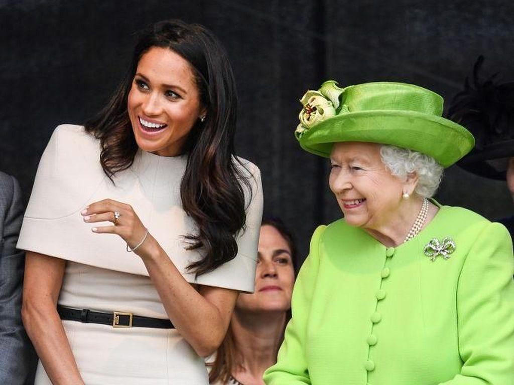 Potret Keceriaan Ratu Elizabeth II Bersama Meghan Markle