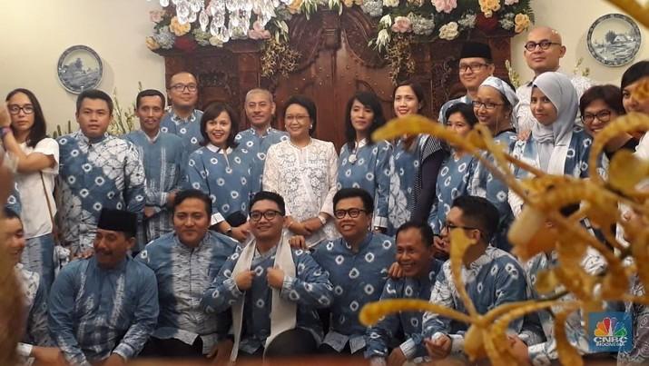 Menteri Luar Negeri Retno Marsudi menggelar open house untuk merayakan Idulfitri.