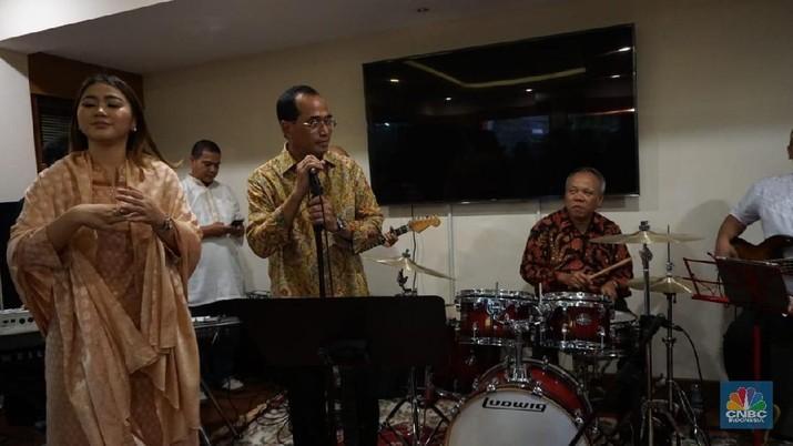 Menteri Basuki dan Budi Karya diminta bekerjasama soal konektivitas.