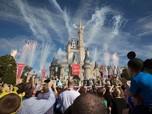 Karyawan Disneyland California Minta Kenaikan Gaji