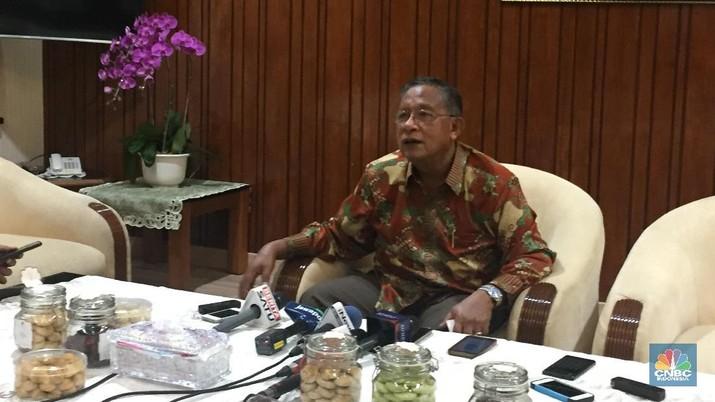 Bank Indonesia (BI) memutuskan untuk menaikkan suku bunga acuan BI 7-Day RR sebesar 50 bps. Apa kata Darmin?