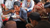 Sedangkan buah tergantung musim. Jus yang biasa disajikan adalah jus madu khas masyarakat Bangka. (Mahendra Moonstar - Anadolu Agency )