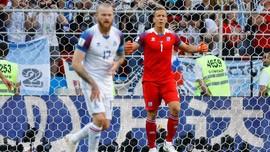 Kiper Islandia Ungkap Rahasia Gagalkan Penalti Messi