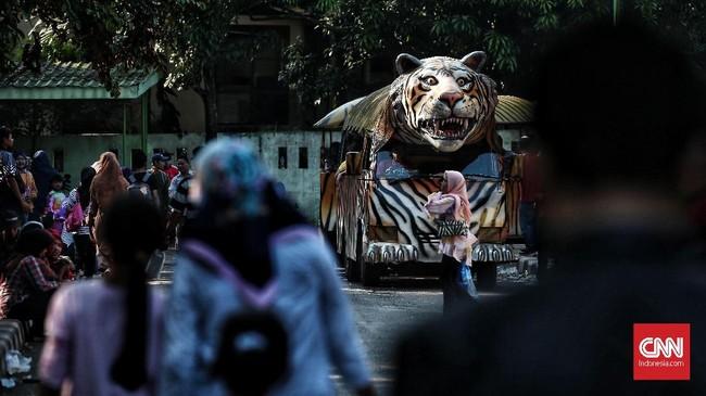 Jumlah tersebut di atas perkiraan pengelola yang tadinya mempredksi pengunjung di kisaran 125 ribu. (CNN Indonesia/Andry Novelino)