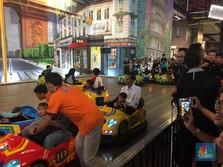 Jokowi Naik Bom-bom Car Bersama Cucu di Transmart Bogor