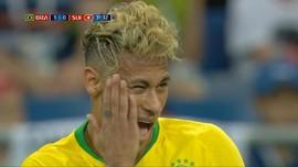 VIDEO: Aksi Neymar dengan Rambut Baru di Piala Dunia 2018