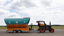 Suporter Timnas Jerman Naik Traktor ke Rusia