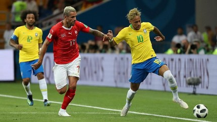 Behrami Diancam Suporter Brasil Usai Jaga Ketat Neymar