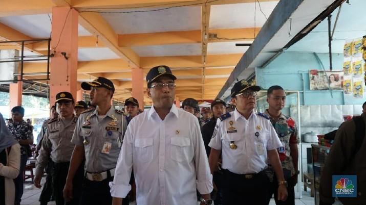 Menhub Ancam Tak Jalankan Proyek KA Cepat Jakarta-Surabaya