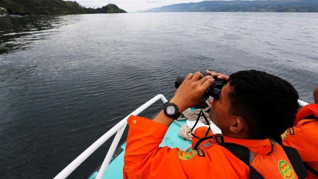 Kapal Bawa 20 Penumpang Diduga Tenggelam di Perairan Nias