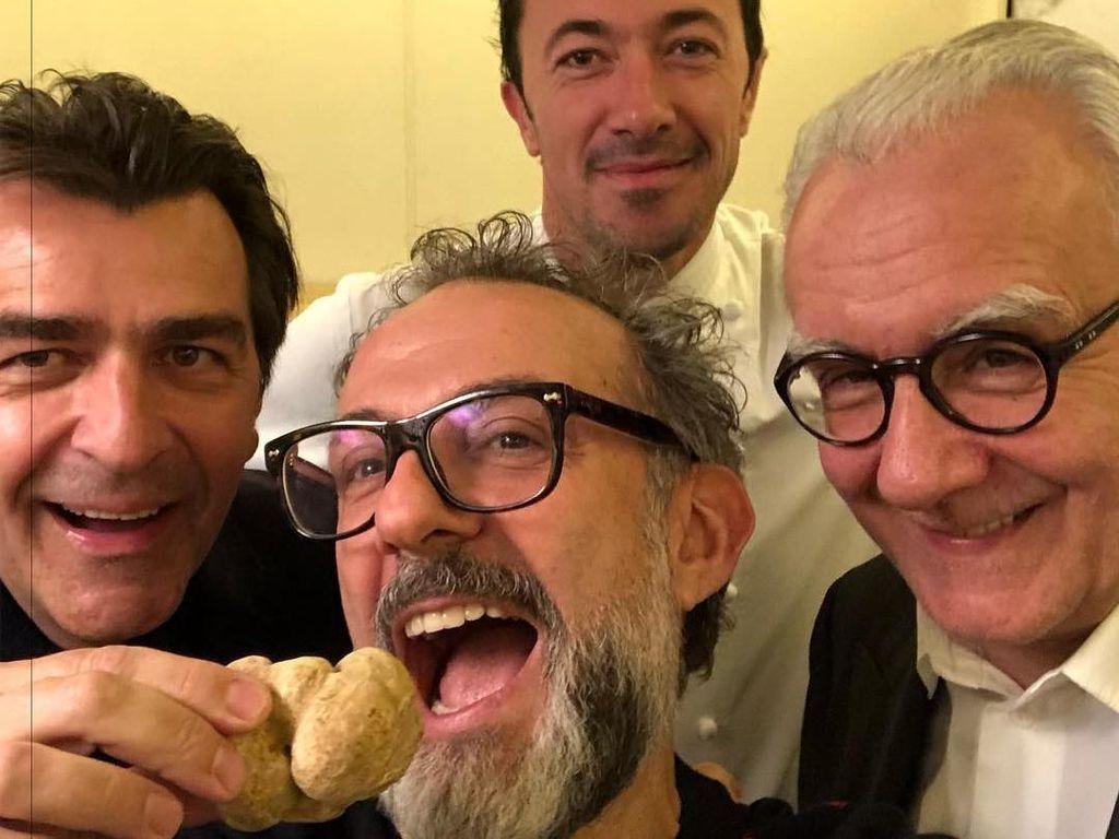 Lihat Gaya Kulineran Massimo Bottura, Chef dan Pemilik Resto Terbaik Dunia